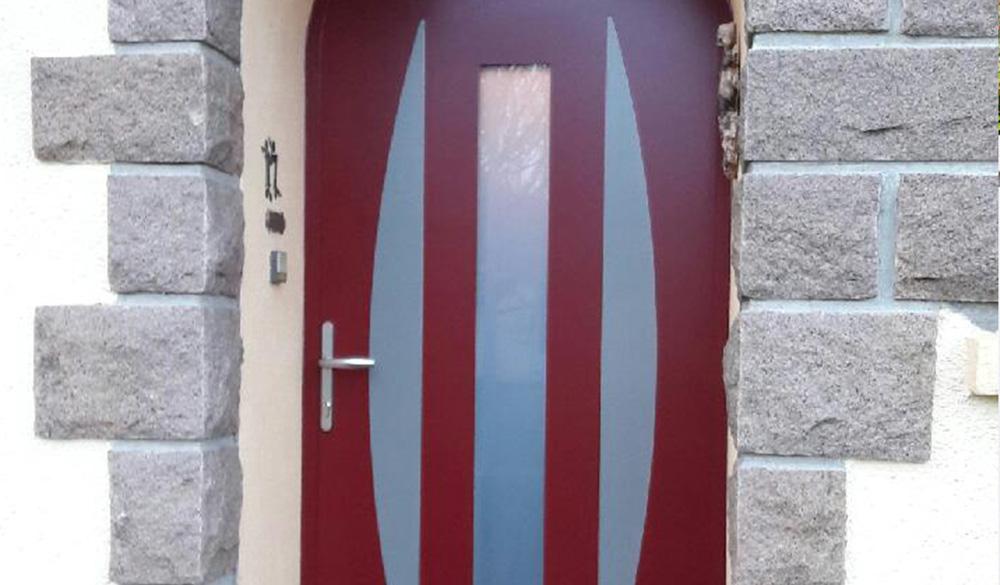 porte-entree-alu-rouge Portes d'entrée - Ozea ouverture